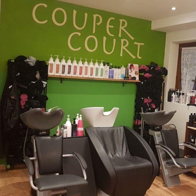 Couper Court Coiffure